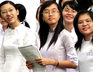 Nhiều trường cao đẳng chuyển sang xét tuyển theo điểm học bạ