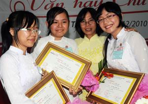Học sinh Trà Vinh, Tiền Giang giành giải cao cuộc thi Văn hay chữ tốt