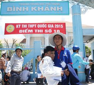 Những hình ảnh xúc động trong kỳ thi THPT quốc gia